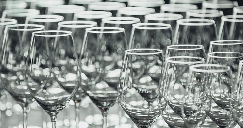 How-to-Pack-Stemware